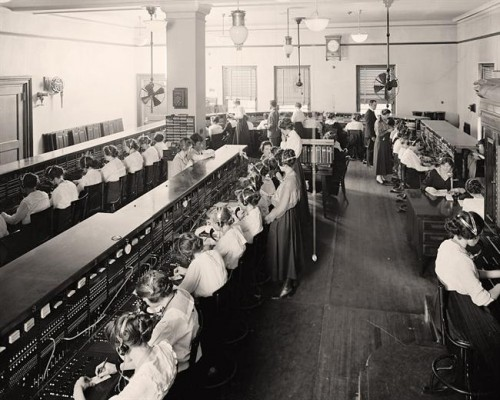 Switchboard-Telephone-Operators.jpg
