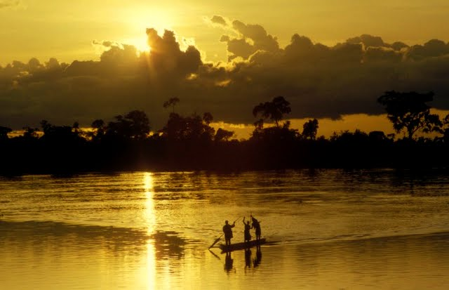 zr_congo_sunset-canoe-silo